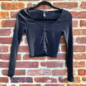 Forever 21 Black long sleeve crop top button